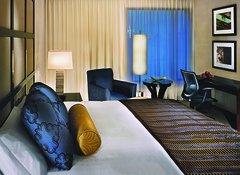[Hotel room]