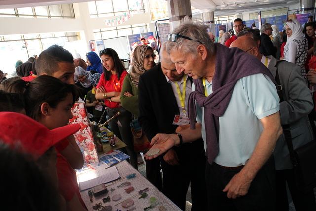 [2015: IUCr-UNESCO Open Lab: Crystal growing competition]